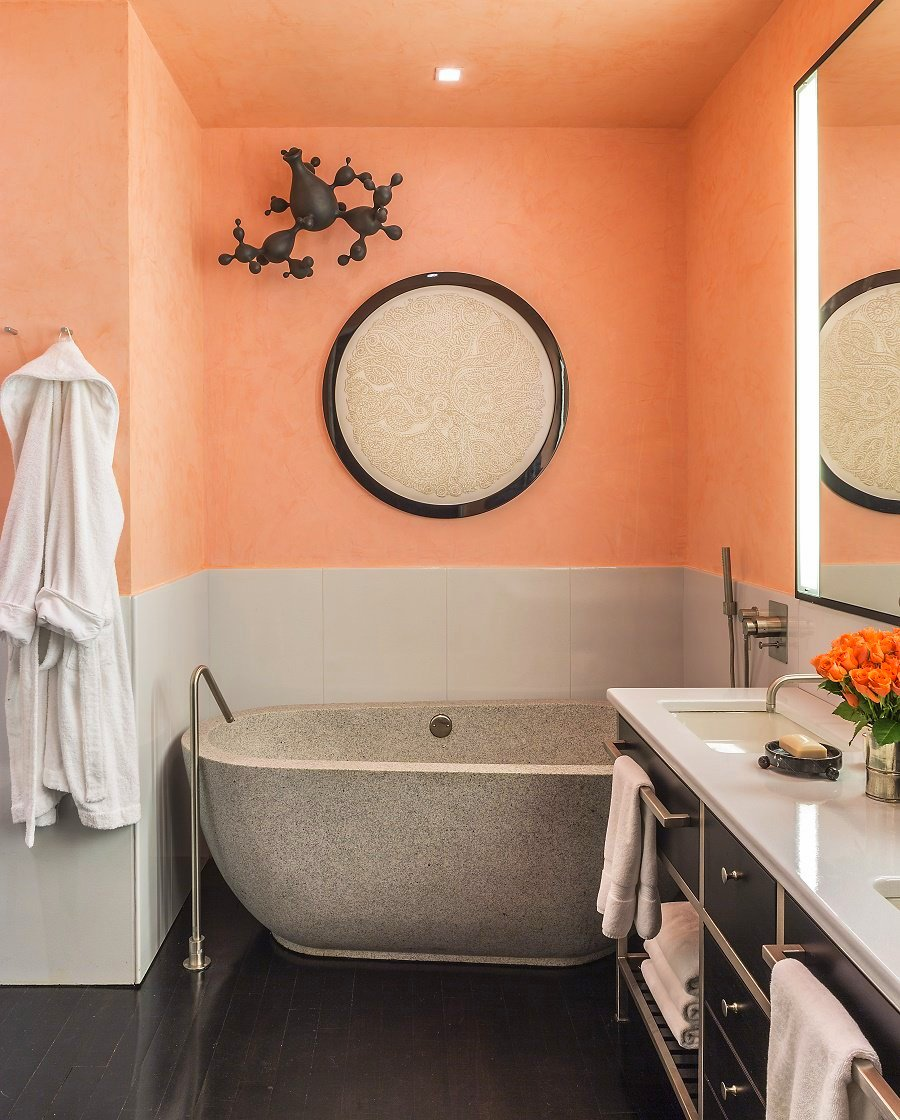 Jamie drake39s ultra chic west chelsea apartment dk decor for Drakes bathrooms