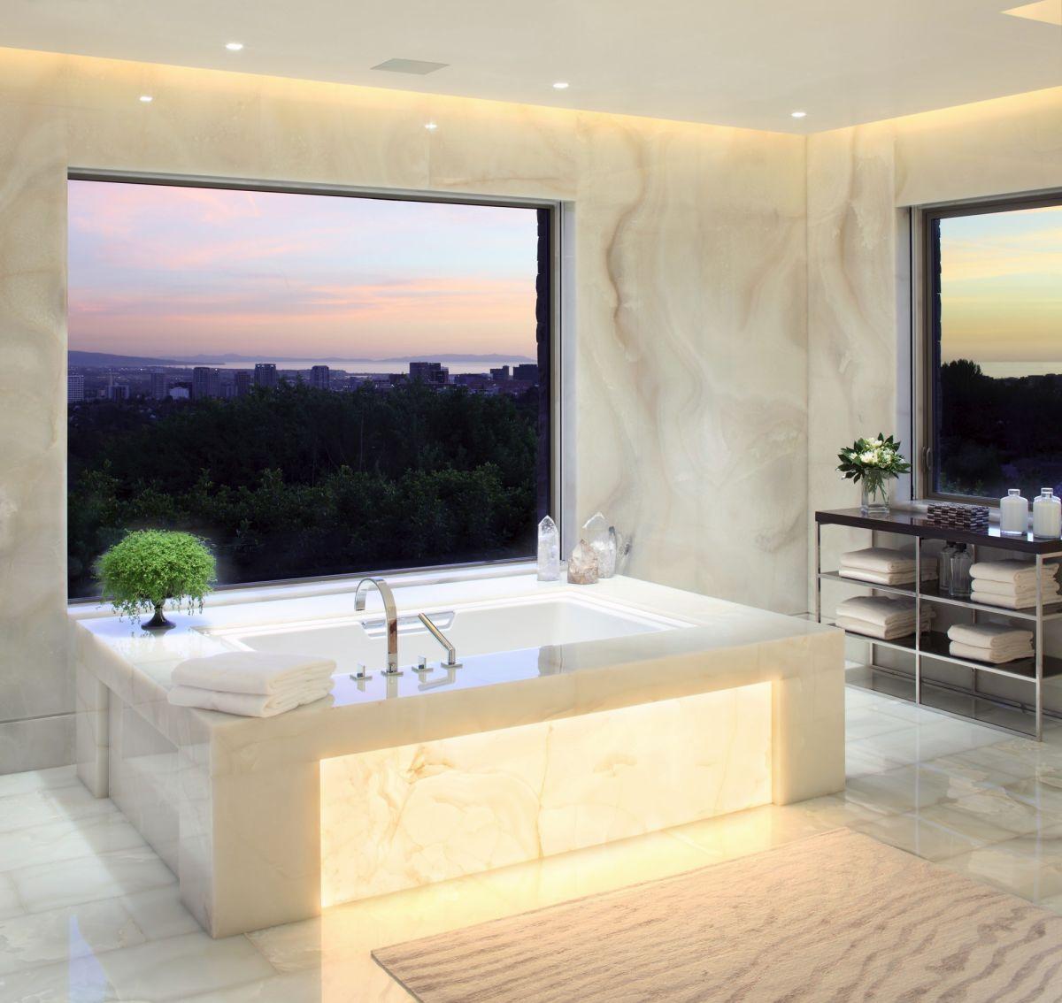 Home Design Inspiration: Hillside Luxury Home Design Inspiration