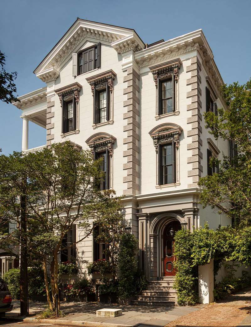 Southern classic mansion historic charleston dk decor for Classic house exterior design