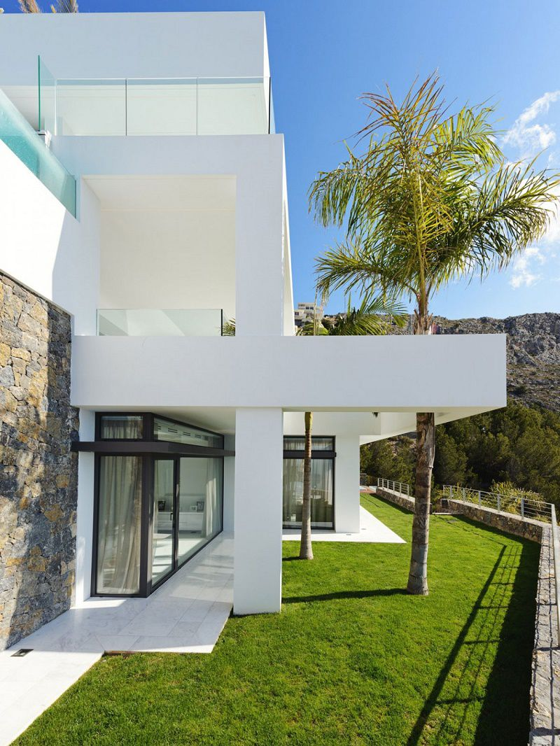 contemporary design eric kuster side lawn