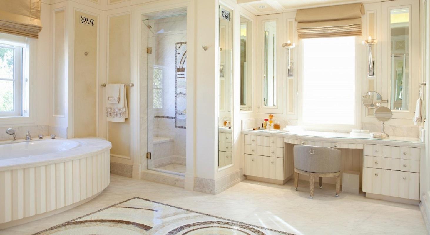 joan-behnke-deco-villa-her-bathroom