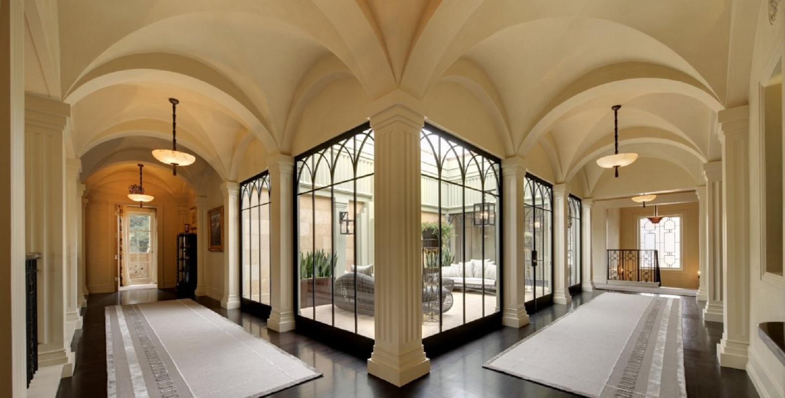 joan-behnke-deco-villa-upper-hall