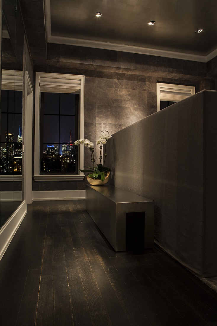 New york pied a terre michael dawkins dk decor for Bedroom ideas nyc