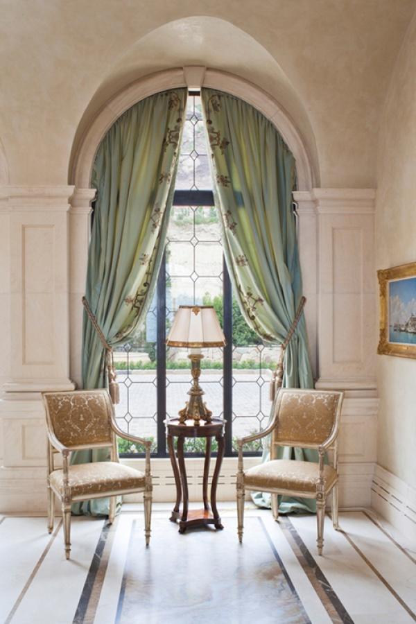 sfa-design-italian-palazzo-entry-window
