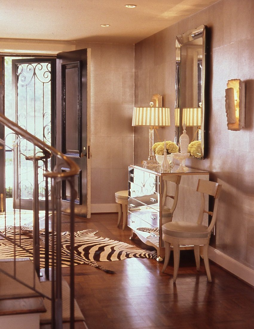 Jan Showers understated glamour Turtle Creek entry