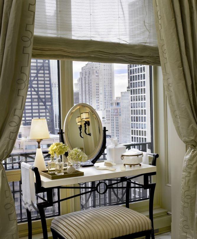 jessica-lagrange-penthouse-guest-vanity