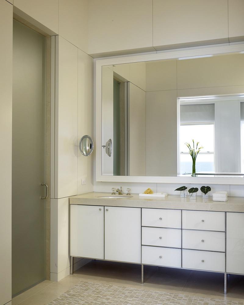 Kadlec modern deco master bathroom