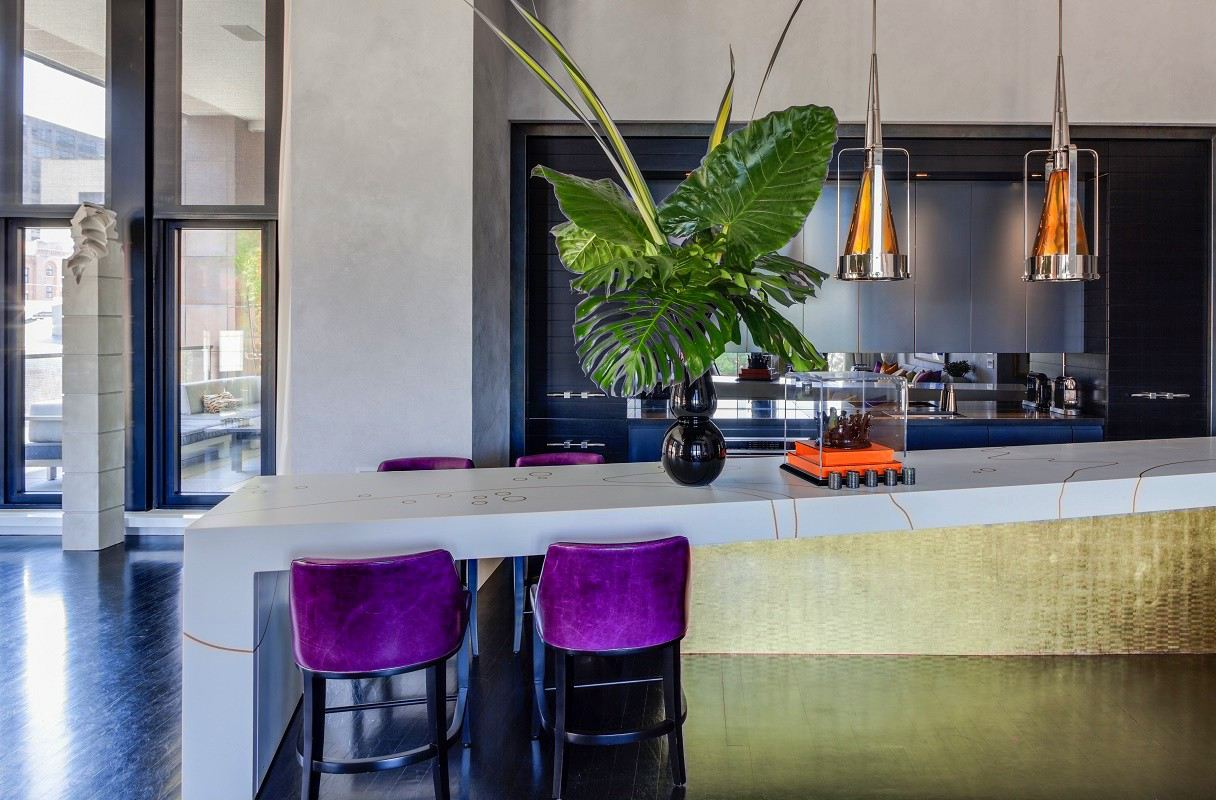 jamie drake's apartment kitchen island bar stools