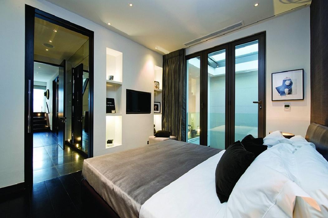landmass-mews-bedroom-1