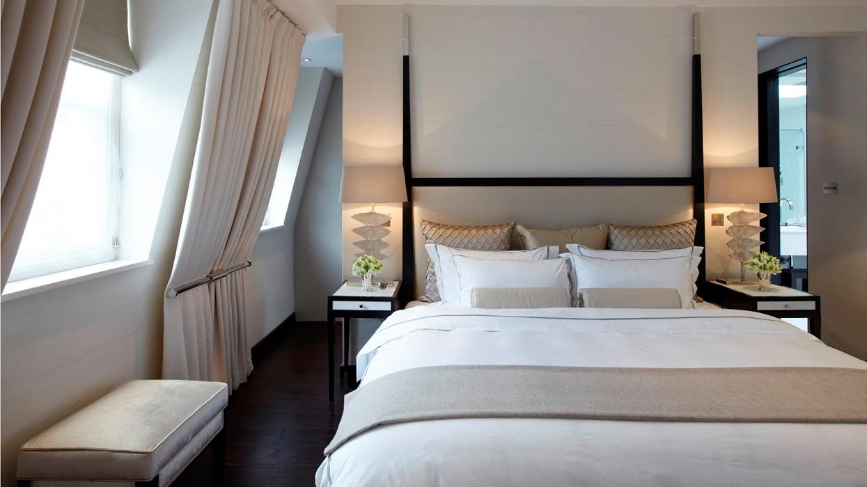 landmass-mews-master-bedroom-2