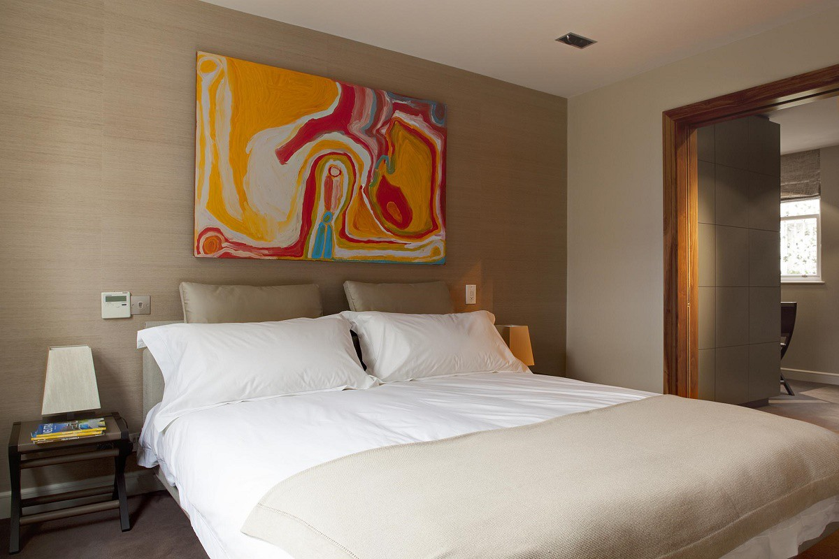 staffan-tollgard-kensington-bedroom-2-full-view