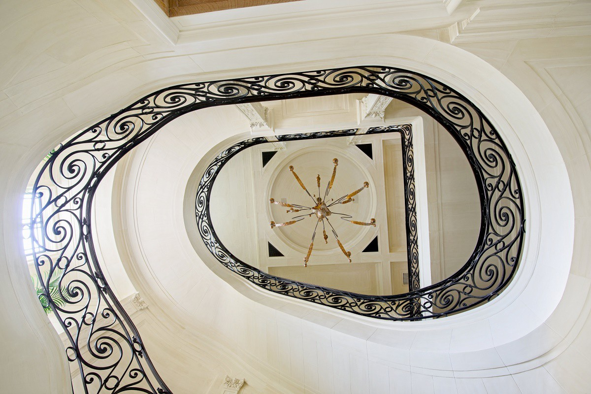 villa-maria-grand-staircase