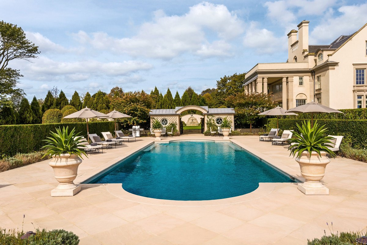 Landmark hamptons estate villa maria dk decor for Pool design hamptons