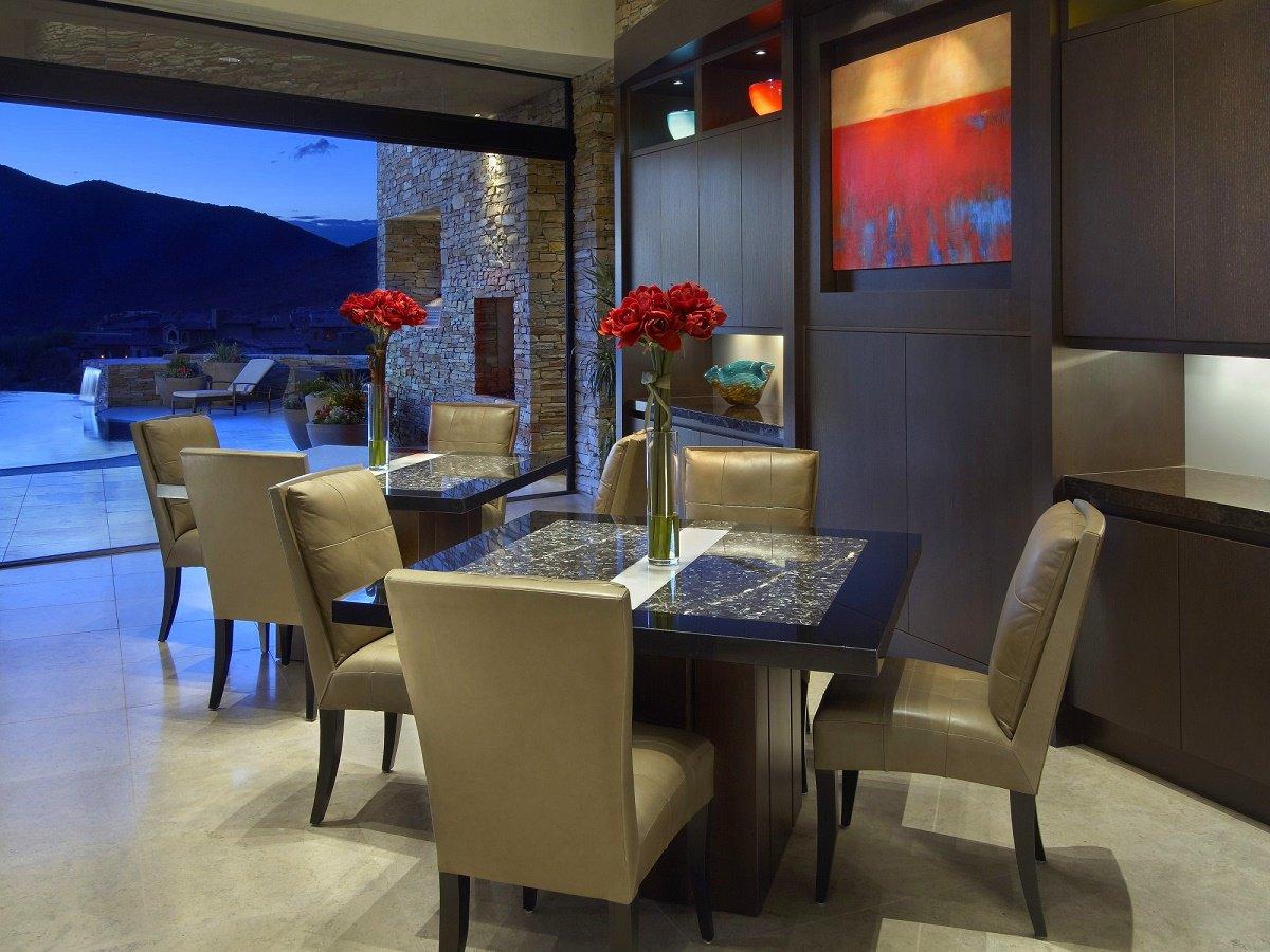 desert-retreat-dining-area