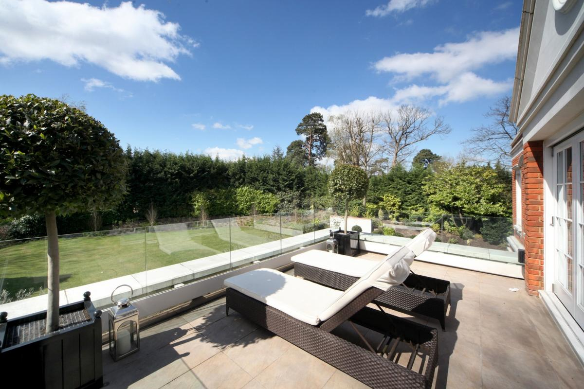 hill-house-terrace