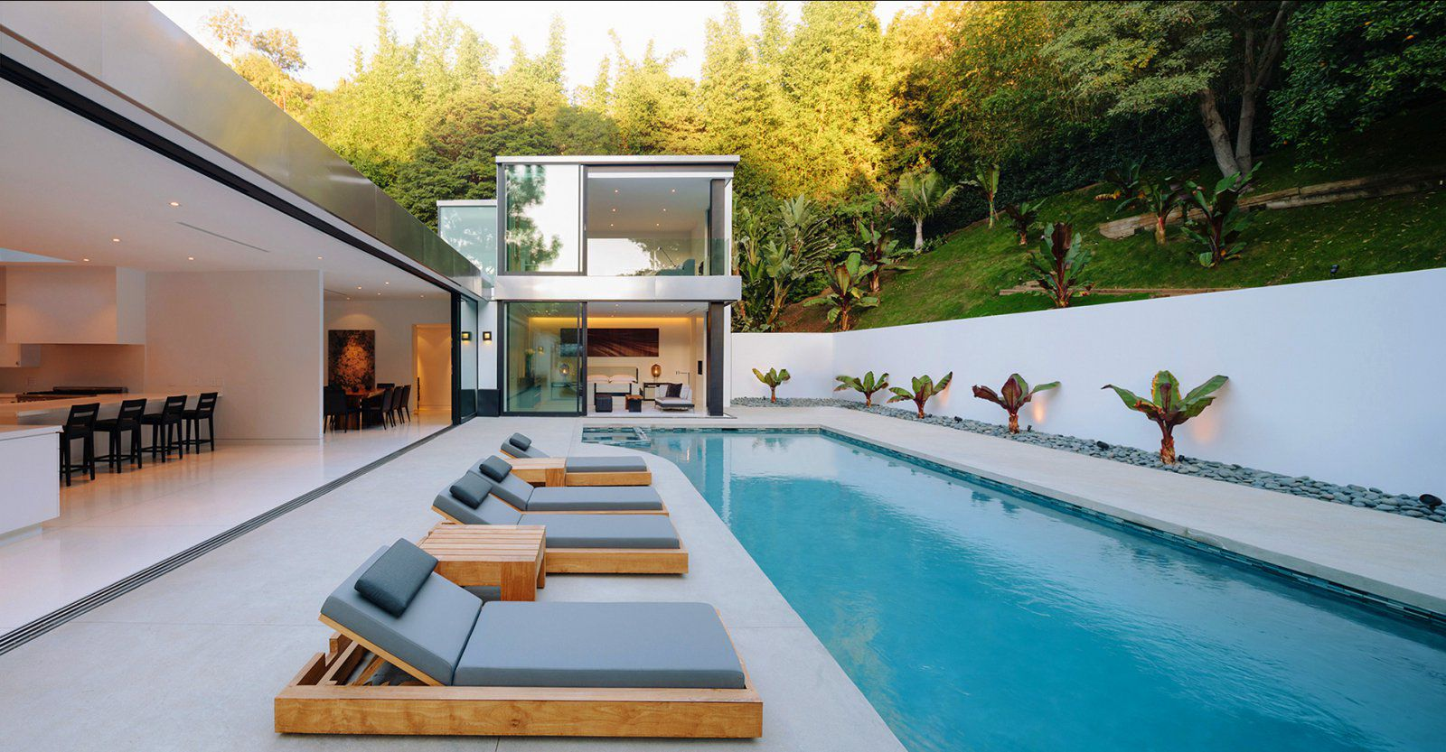 Modern la residence with minimalist interior design dk decor Minimalist house design with pool