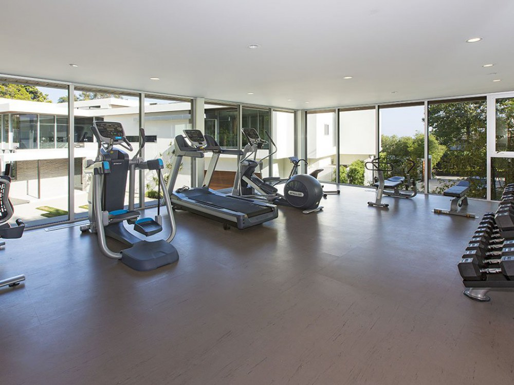 sunset-plaza-home-gym