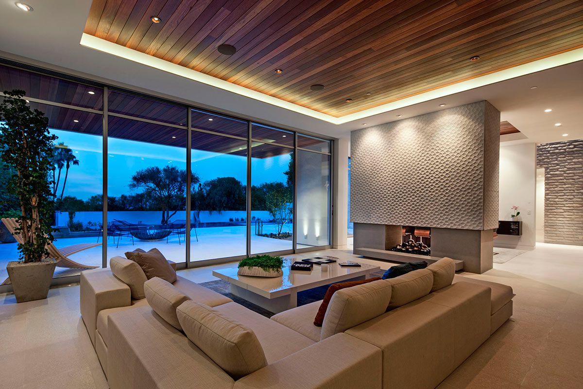 California Modern Design Sunset Plaza