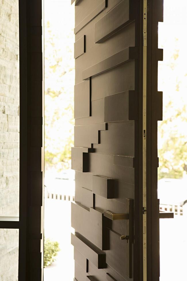 Bev-hills-renovation-entry-door-detail