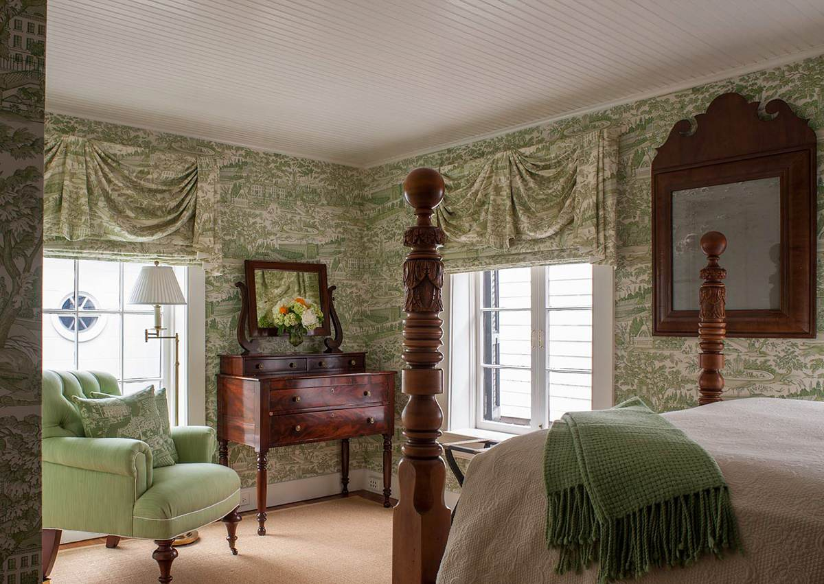 Charleston-classic-design-guest-bedroom-2