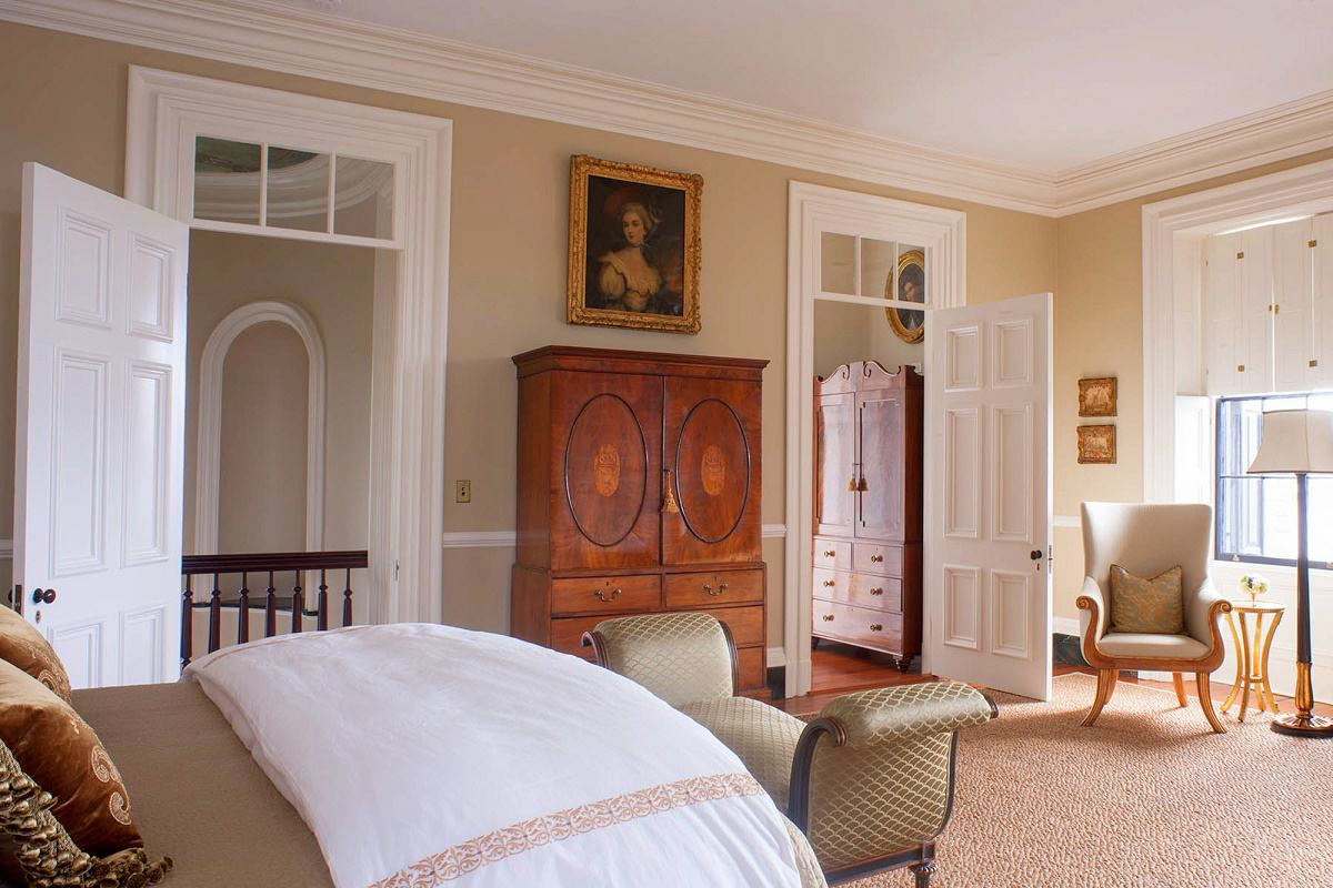 Charleston-classic-design-guest-bedroom-lower