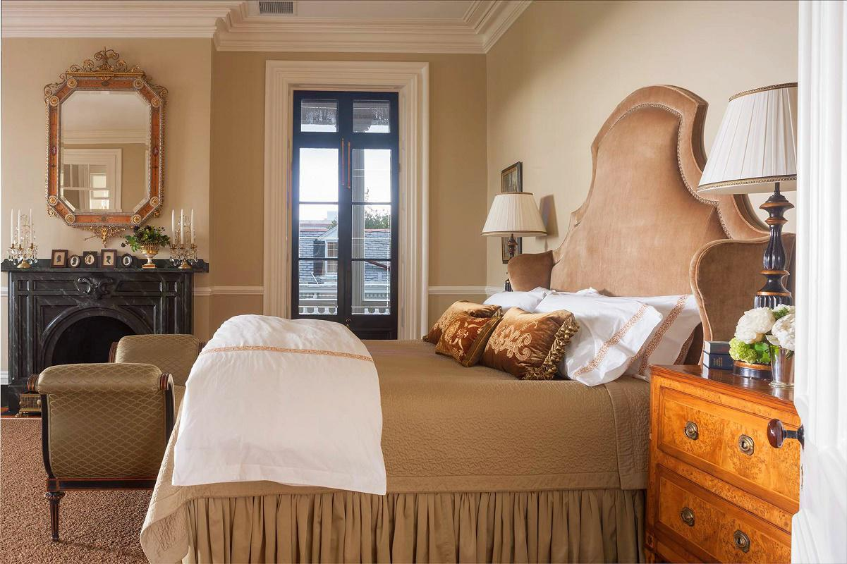Charleston-classic-design-guest-bedroom