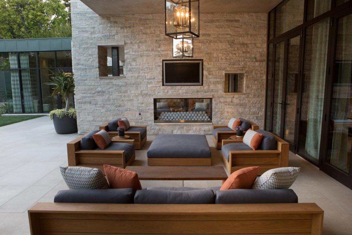 bev-hills-renovation-outdoor-living-area