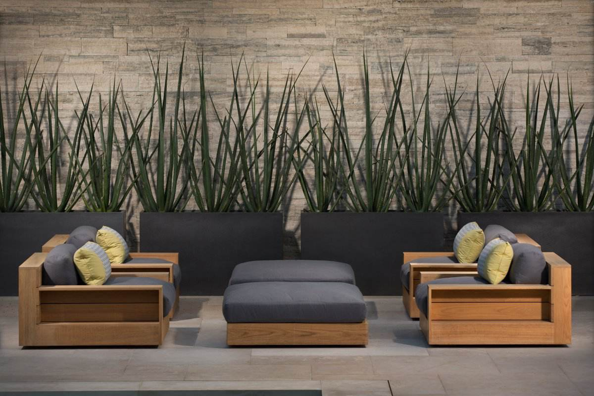 bev-hills-renovation-outdoor-lounge