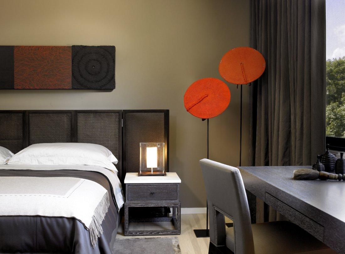 kadlec-modern-lake-bedroom