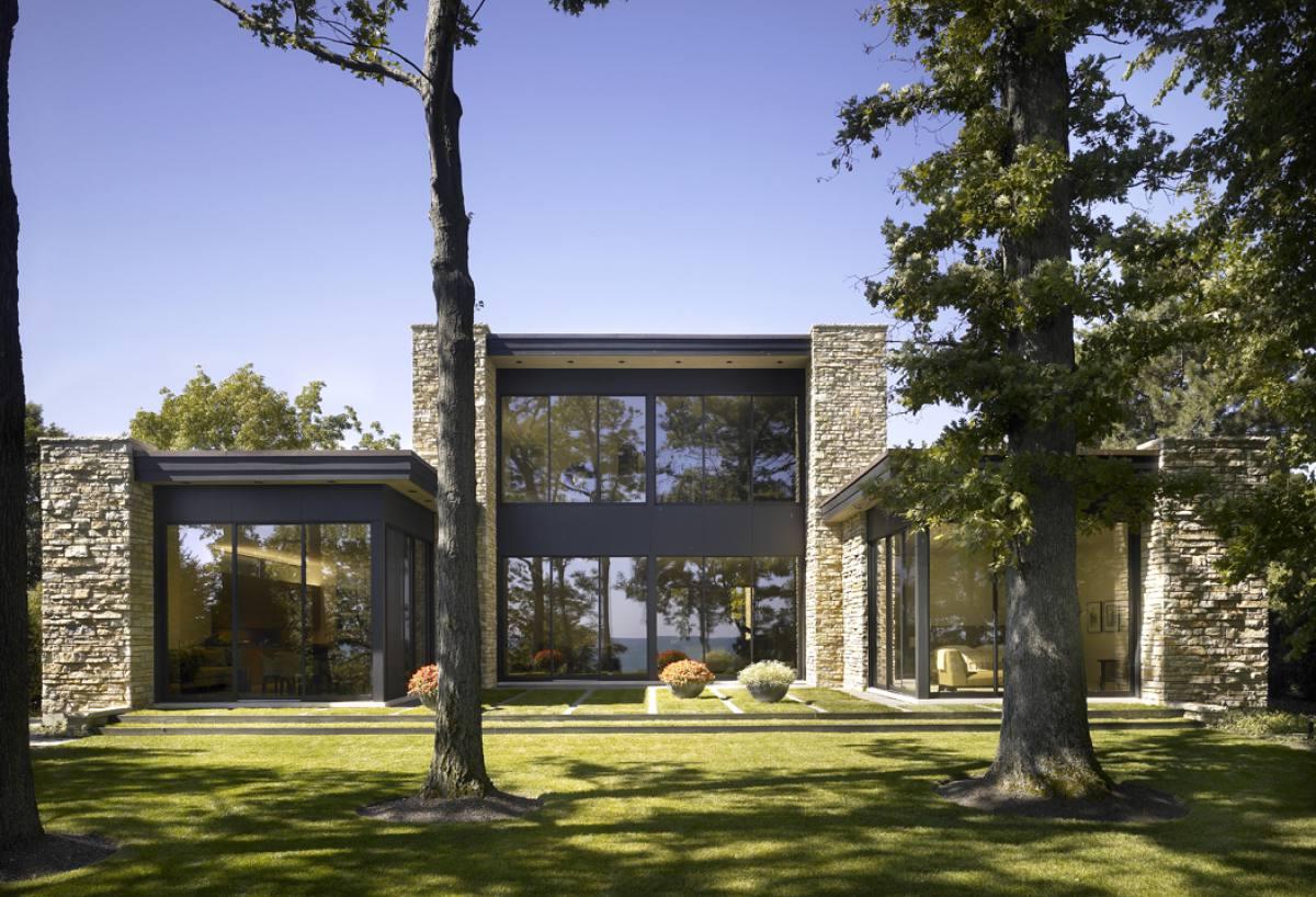 kadlec-modern-lake-exterior