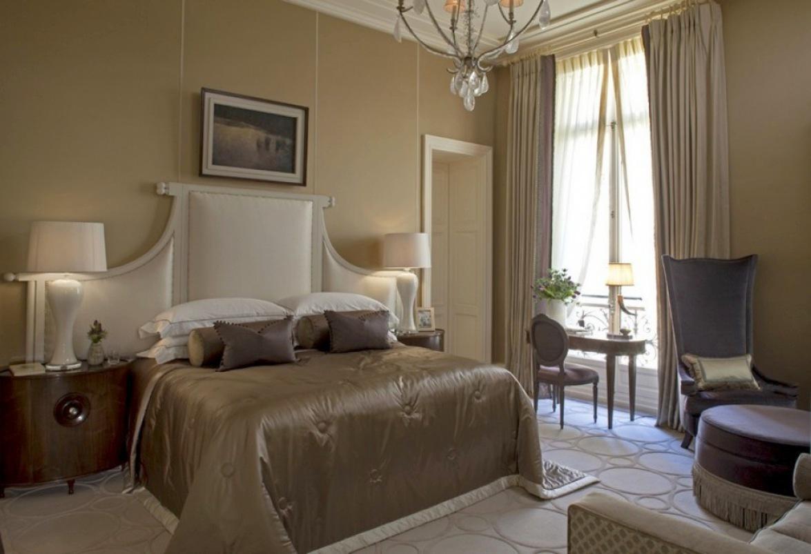 louis-henri-paris-bedroom-1-b-002