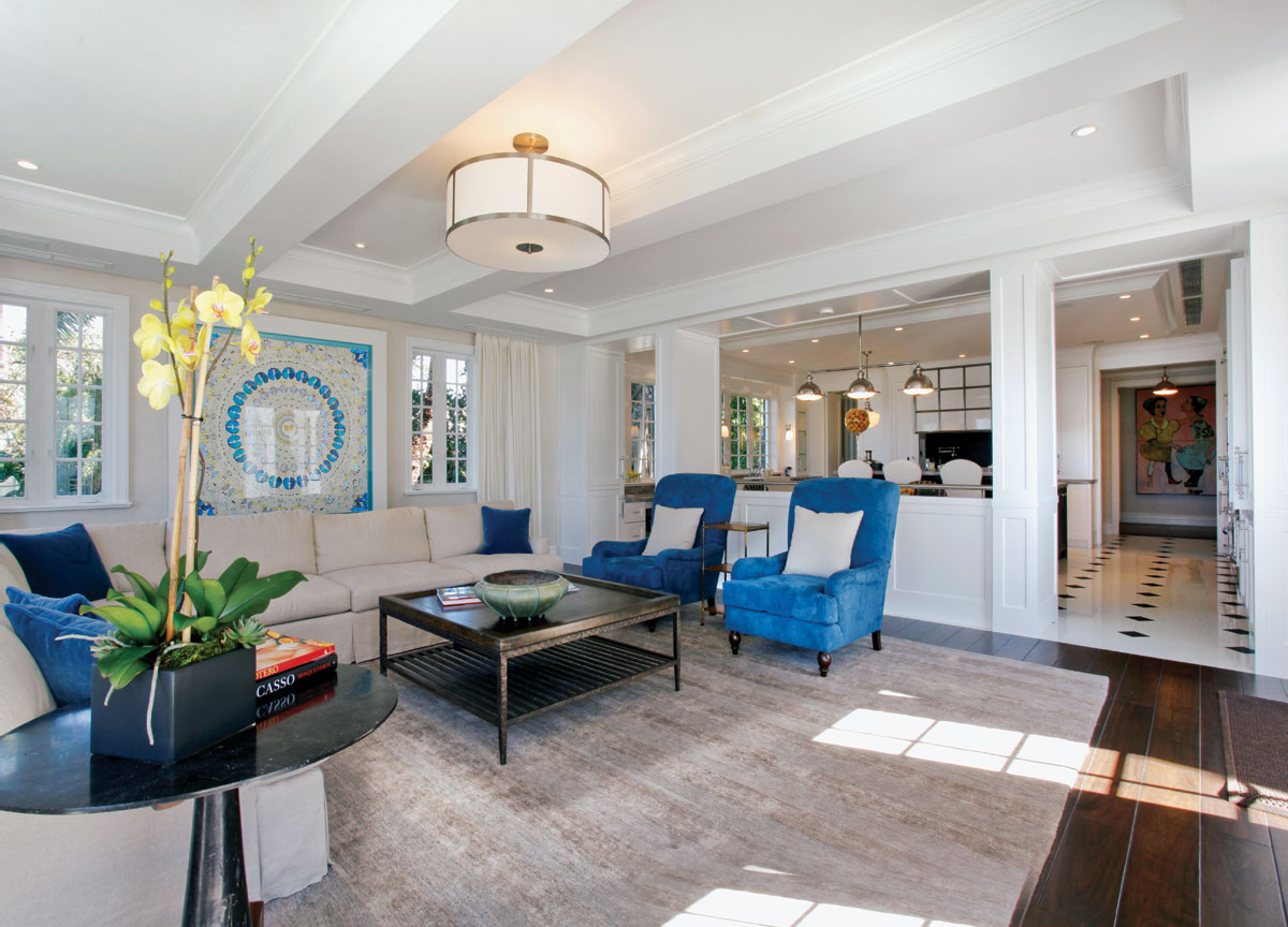 biscayne bay waterfront mansion family room