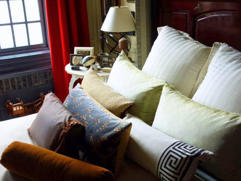 kedigian-bedroom-bed-detail