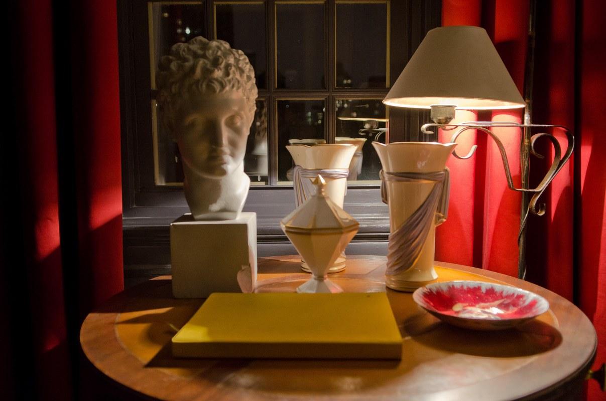 kedigian-bedroom-table-top-detail