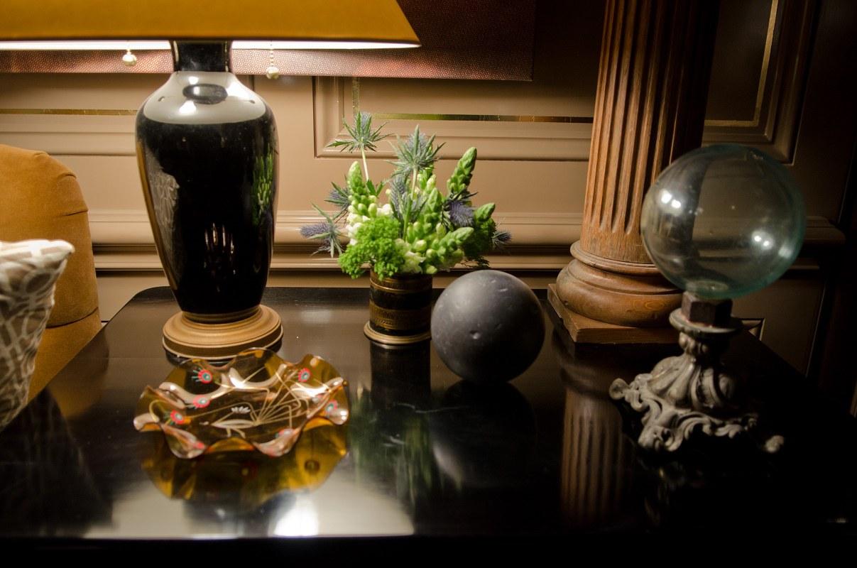 kedigian-table-top-living-room-detail-b