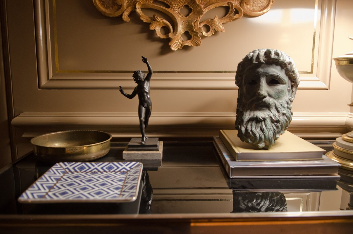 kedigian-table-top-living-room