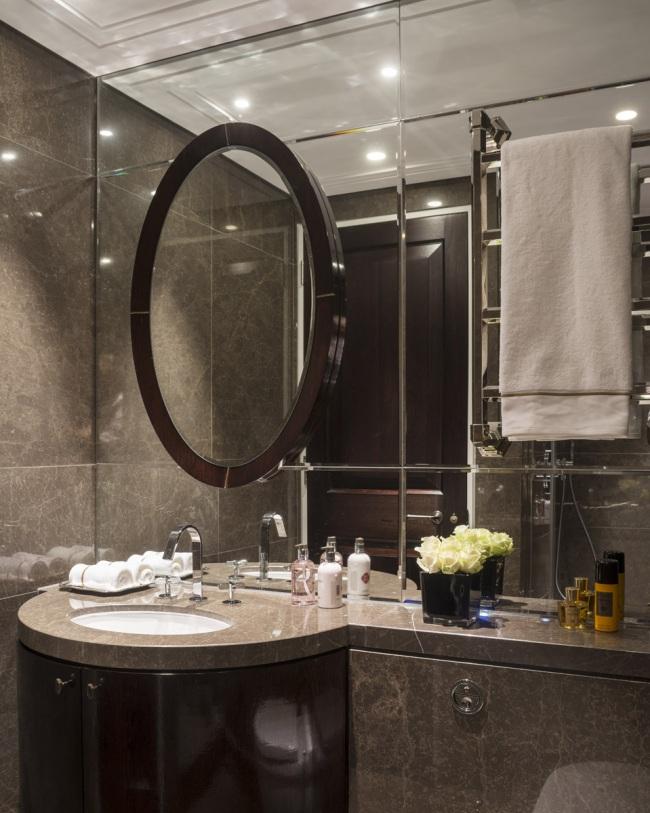 knightsbridge townhouse guest bathroom-1
