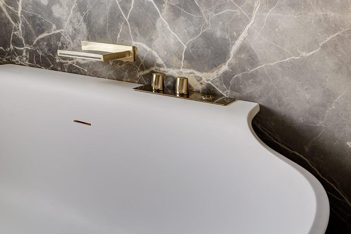 tollgard-LennoxGdns-master-bath-tub