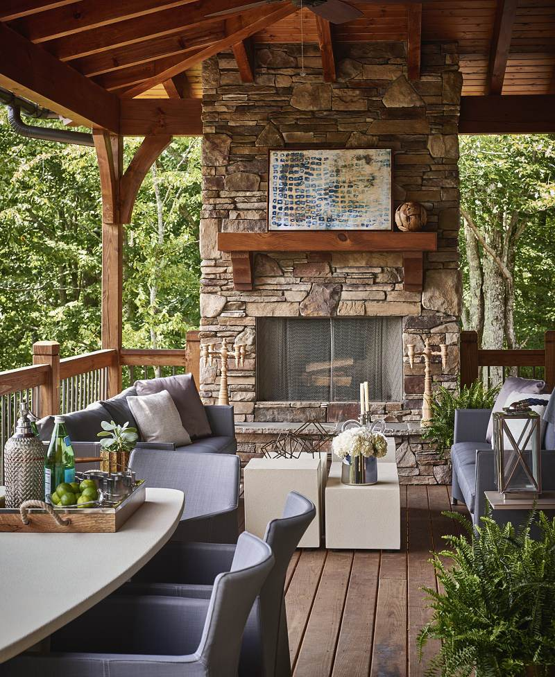 Firethorn mountain retreat loggia