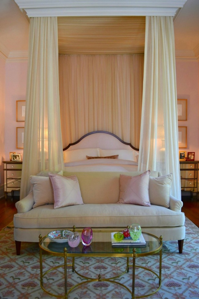 canopy bed by Summerhouse