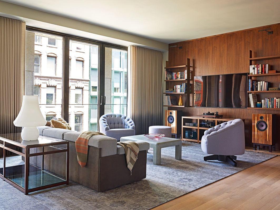 Frampton-Bond-family-room