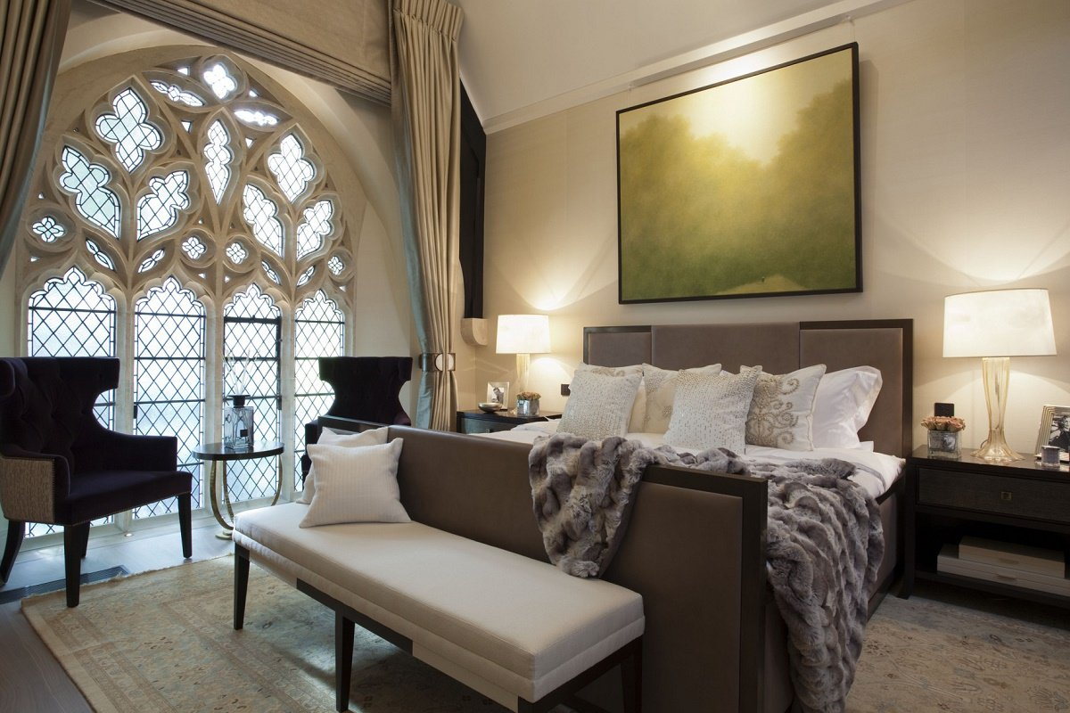 St Saviours-master bedroom