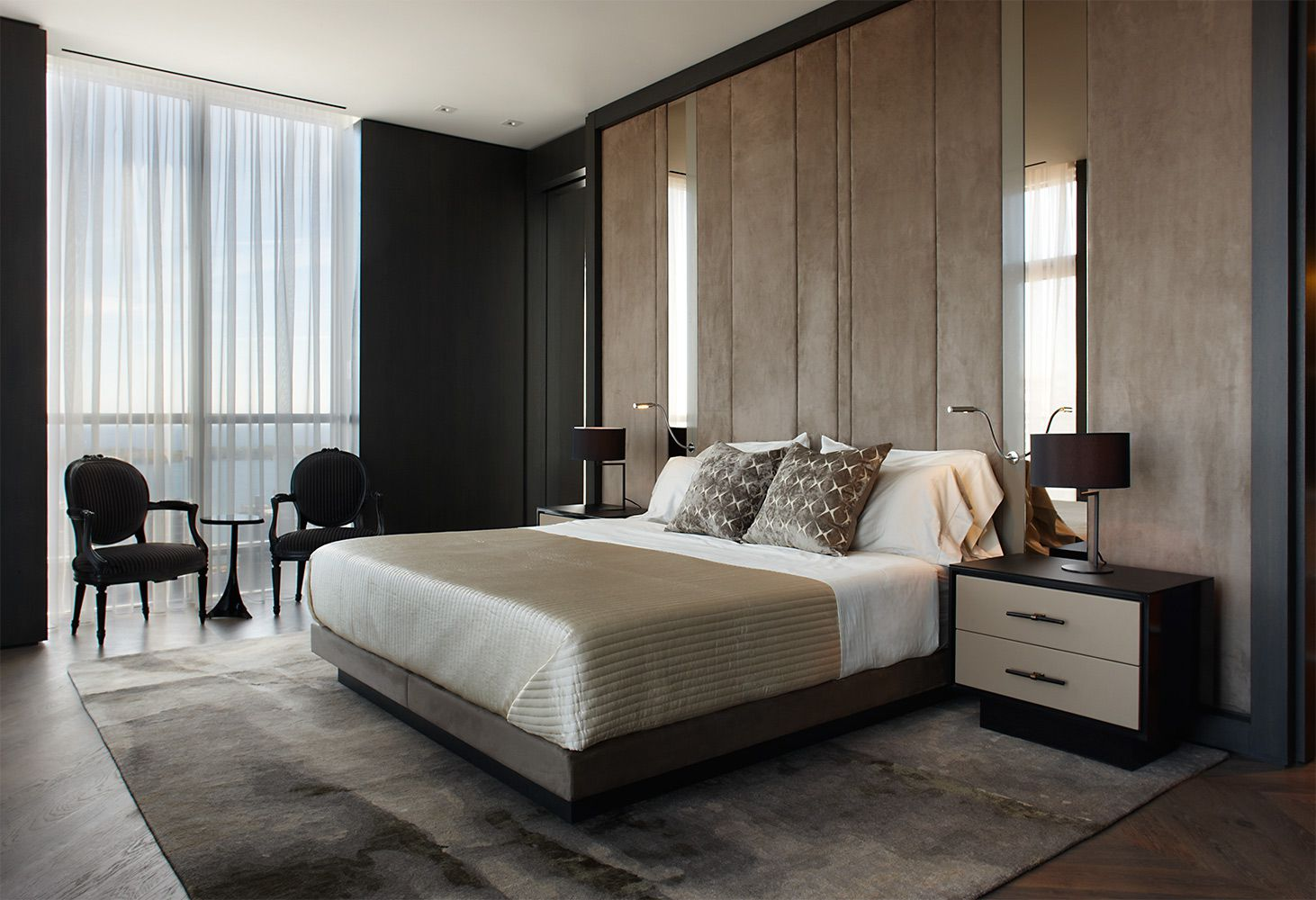 Studio-Munge-Esplanade-master-bedroom