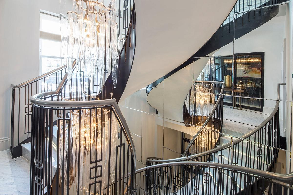 belgravia-mews-staircase