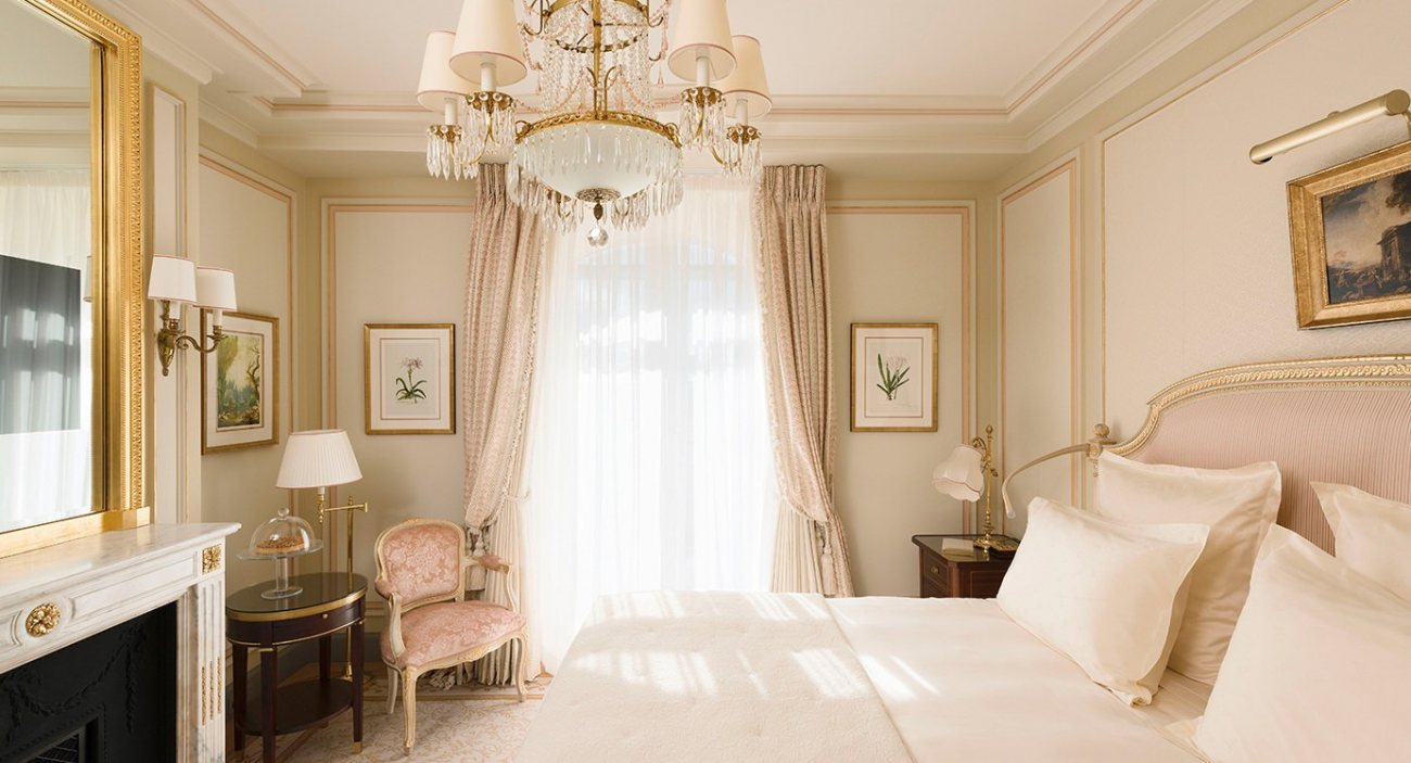 French design paris ritz reopens dk decor for What does chambre mean in french
