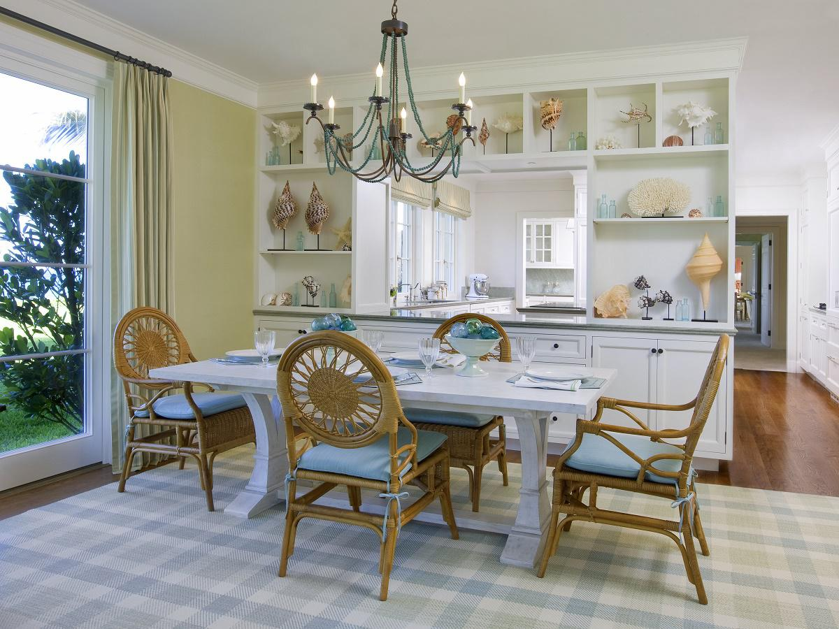 Venetian waterfront residence family-dining-kitchen