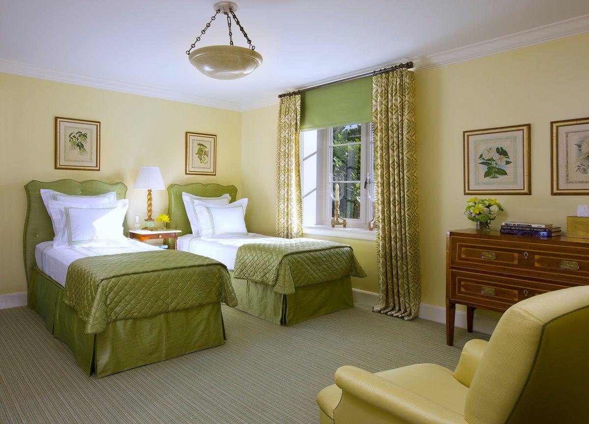 Venetian waterfront residence guest bedroom 2