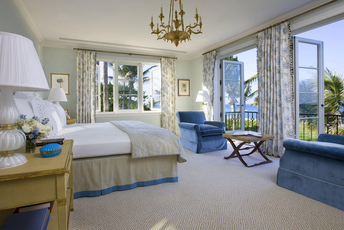 Venetian waterfront residence master bedroom