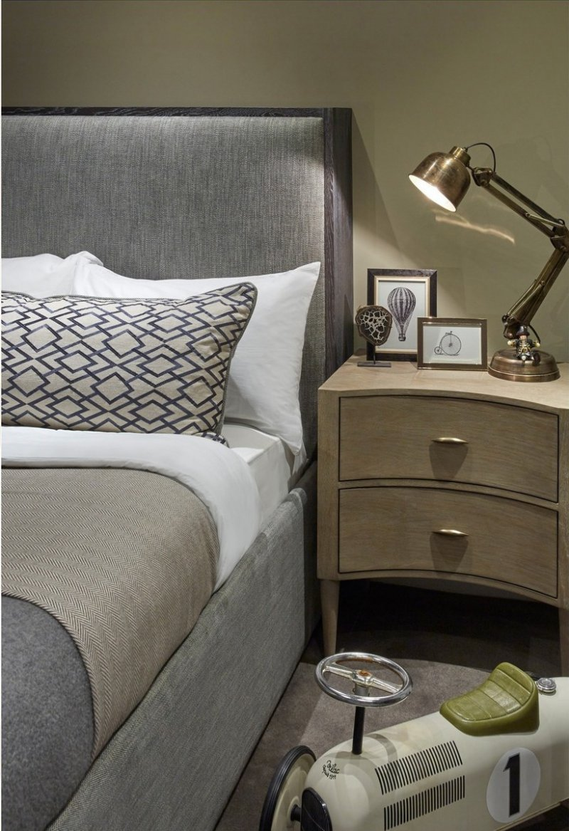 sophie paterson chelsea contemporary classic pied-a-terre bedroom 2