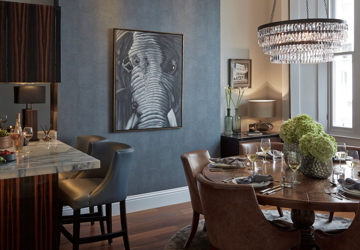 sophie paterson chelsea townhouse contemporary classic kitchen and dining area